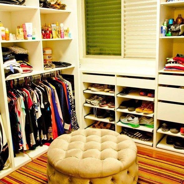 quarto improvisado como closet