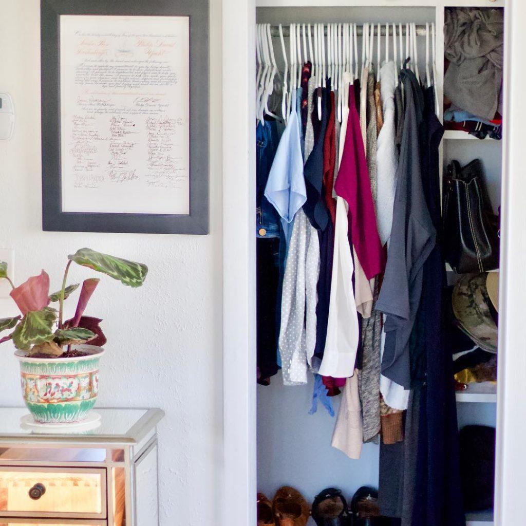 espaços improvisados para armários