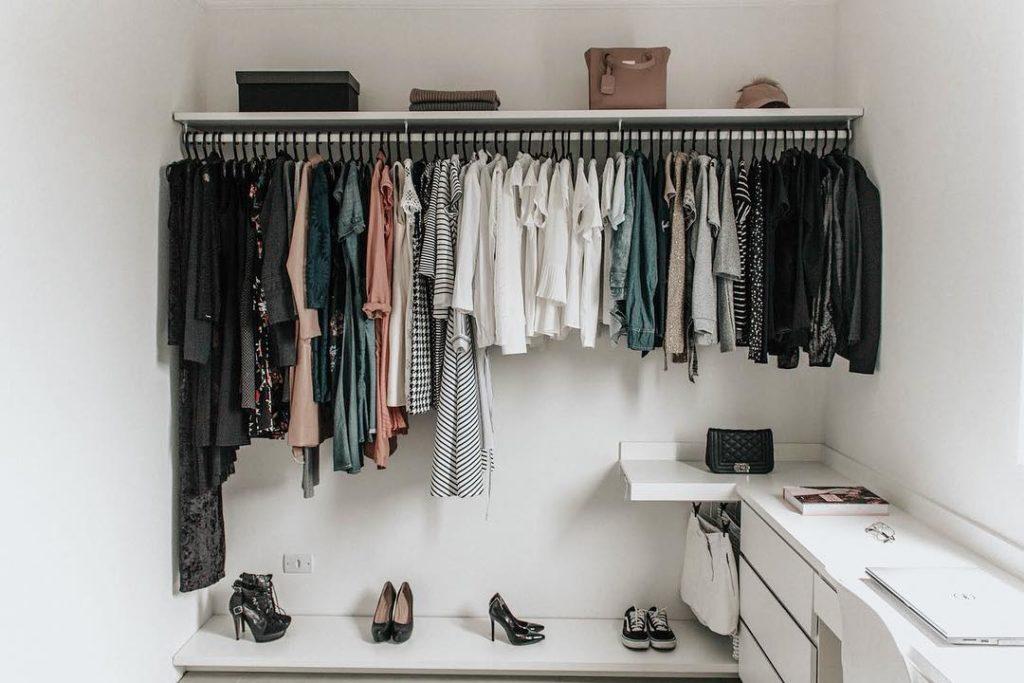 closet simples feminino