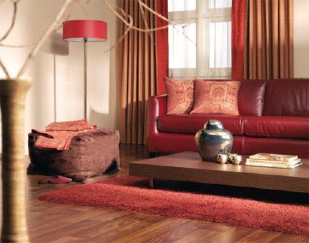 sala com sofa vermelho