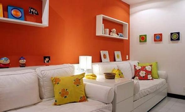 sala laranja e branca