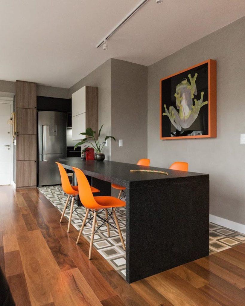 cadeiras decorativas laranjas