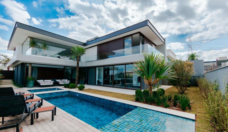 casa moderna com esquadria de alumínio