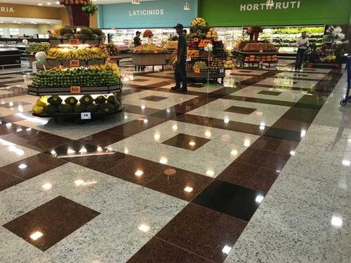 piso de mercado