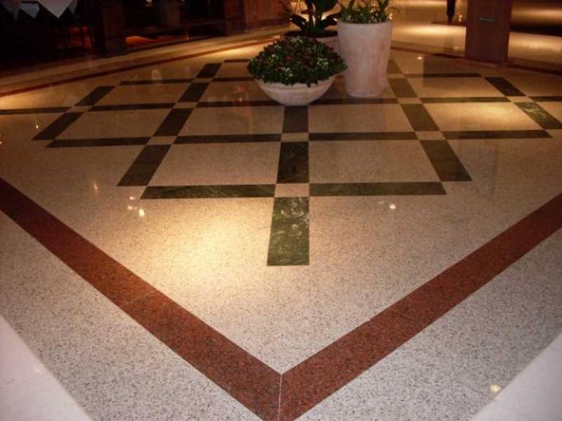 granito marrom no piso