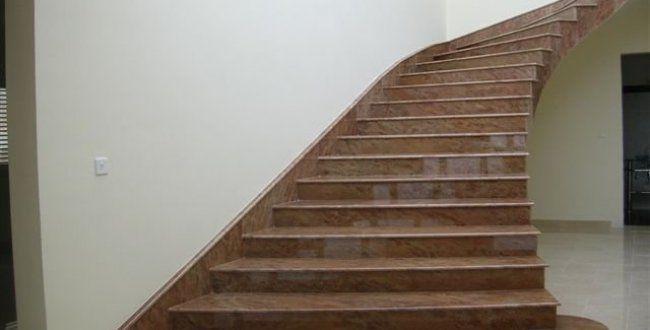 escada com pedra