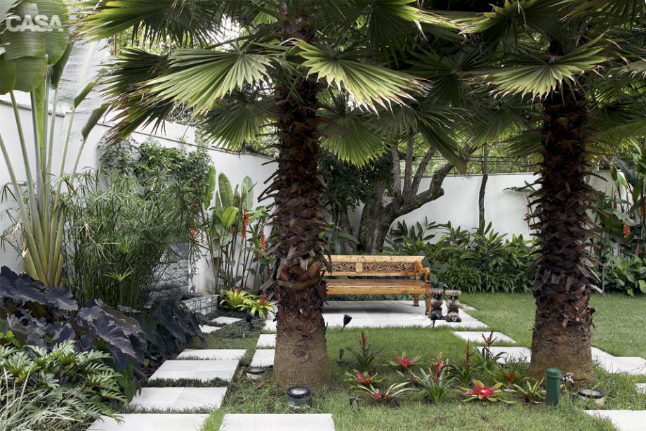 área de descanso com vegetação
