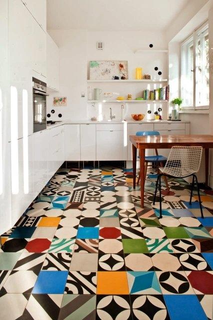piso colorido e alegre