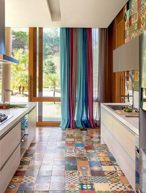 cozinha alegre com cor