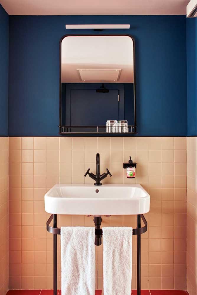 banheiro azul e rosa