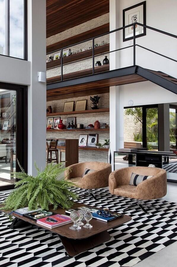 mezanino com escada
