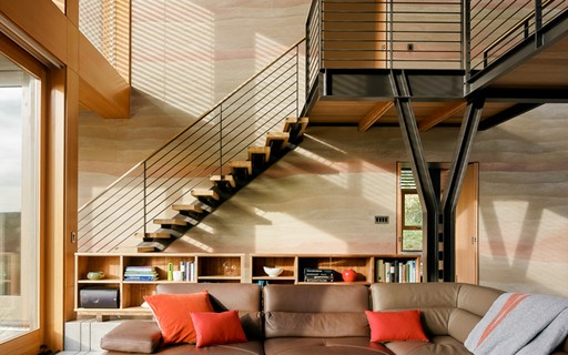 mezanino de metal e madeira
