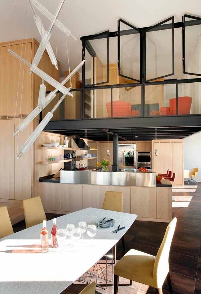 sala no superior da cozinha