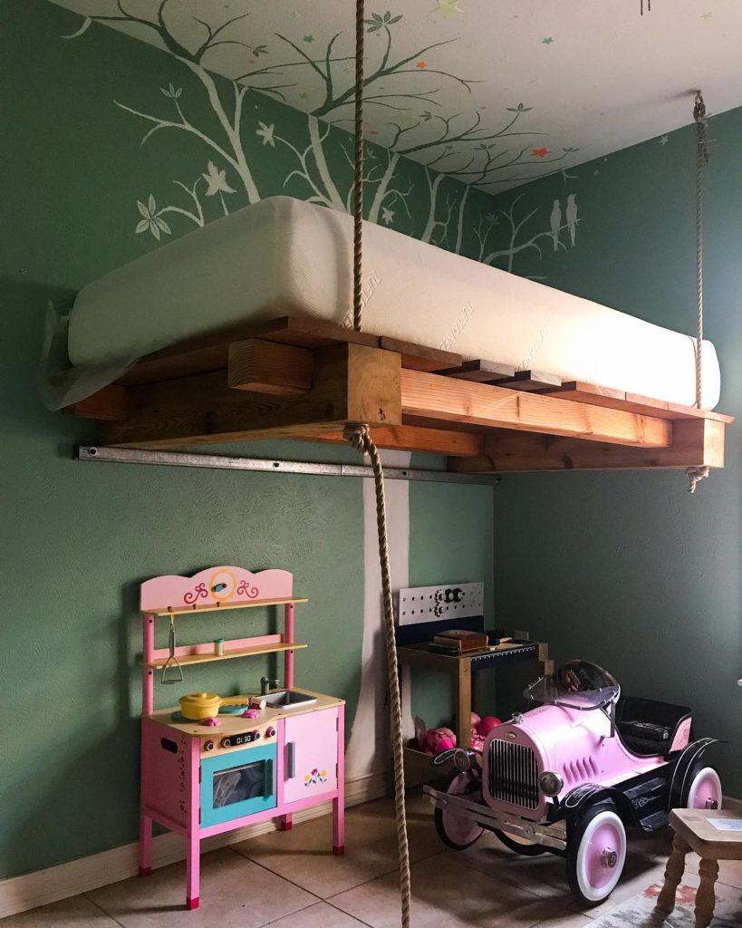 quarto femino decorado Modelos de camas suspensas