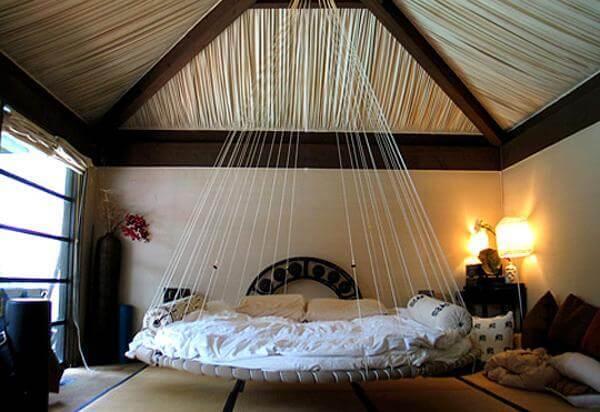 cama suspensa com cordas