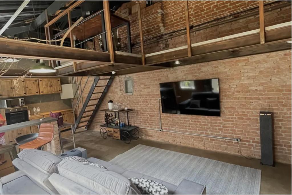 teto alto para loft