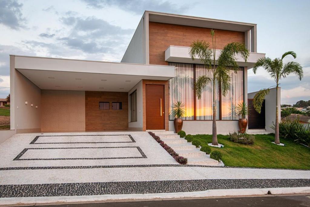 casa com fachada feita