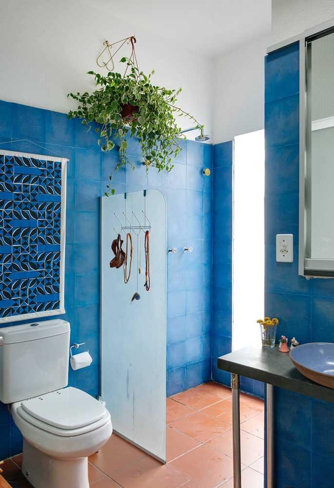 banheiro azul e branco tinta para azulejo