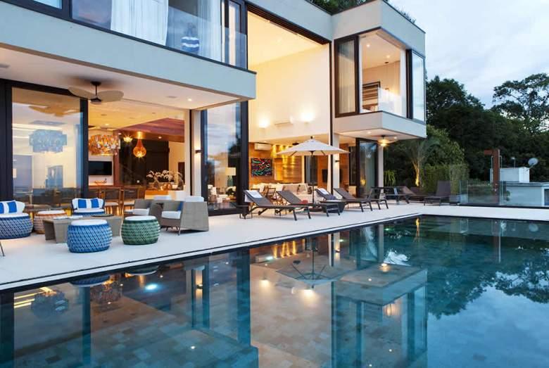 casa moderna na praia